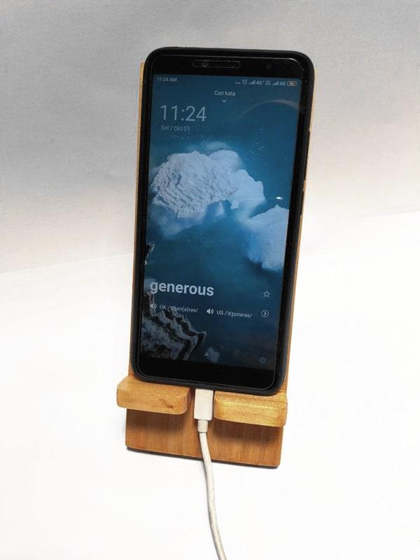 StandeeWood Phone Holder (6)